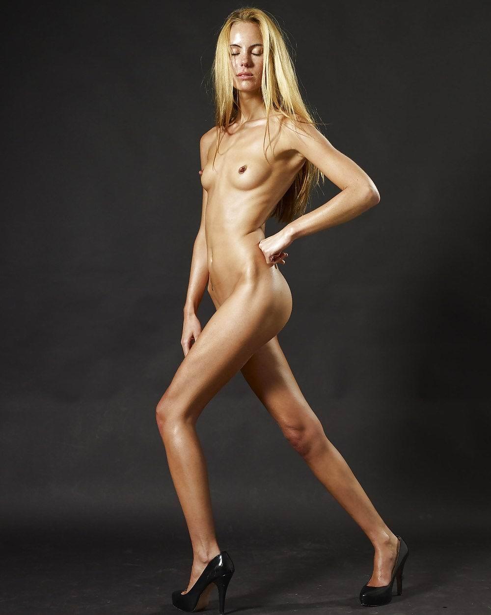 Худая голая веб 21 фотография
